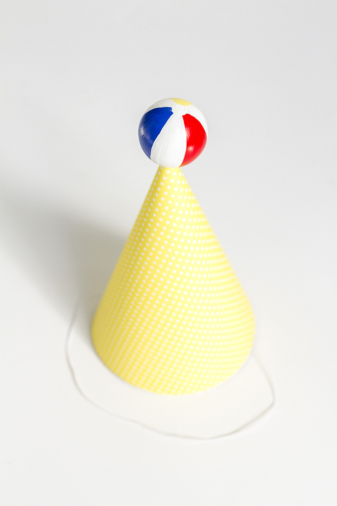 DIY Beach Ball Party Hat | Dream Green DIY + @ehow