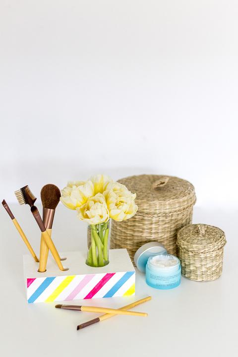 DIY Makeup Brush + Bud Vase Holder | Dream Green DIY