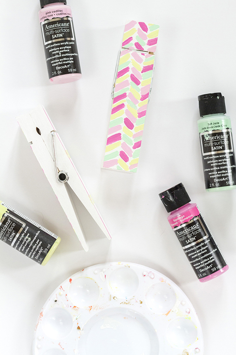 DIY Painted Clothespin Photo + Card Holders | Dream Green DIY + @decoart