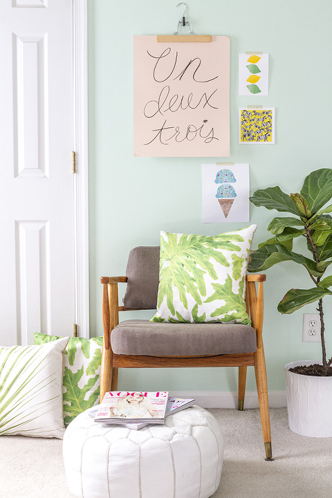 DIY Palm Print Pillows + Free Download | Dream Green DIY