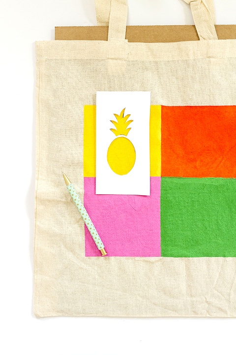 DIY Pineapple Pop Art Inspired Tote Bag | Dream Green DIY