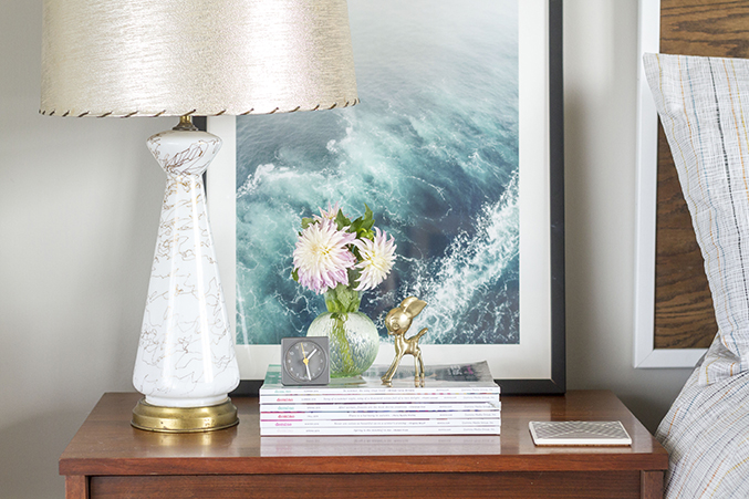How to decorate a nightstand in 10 minutes - How to decorate a nightstand ...