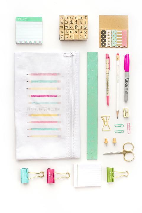 DIY Iron-On Pencil Bag + Free Printable Artwork | Dream Green DIY