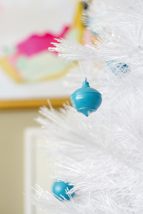 DIY High Gloss Wooden Christmas Ornaments | Dream Green DIY + @decoart