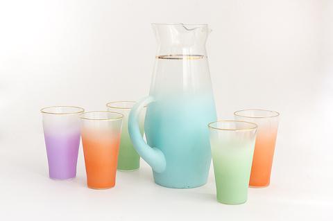 Thrift Store Score: Pastel Glasses, A Bust + An Artist's Manikin Lamp | Dream Green DIY
