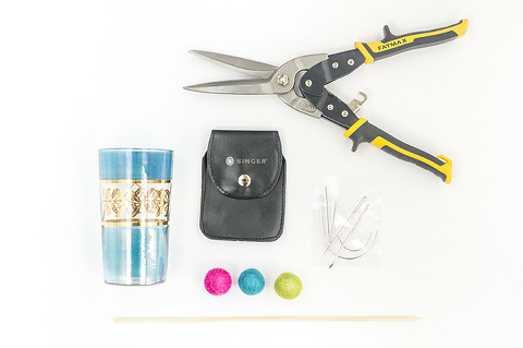 DIY Felt Ball Kabob Cocktail Stirrers   Dream Green DIY