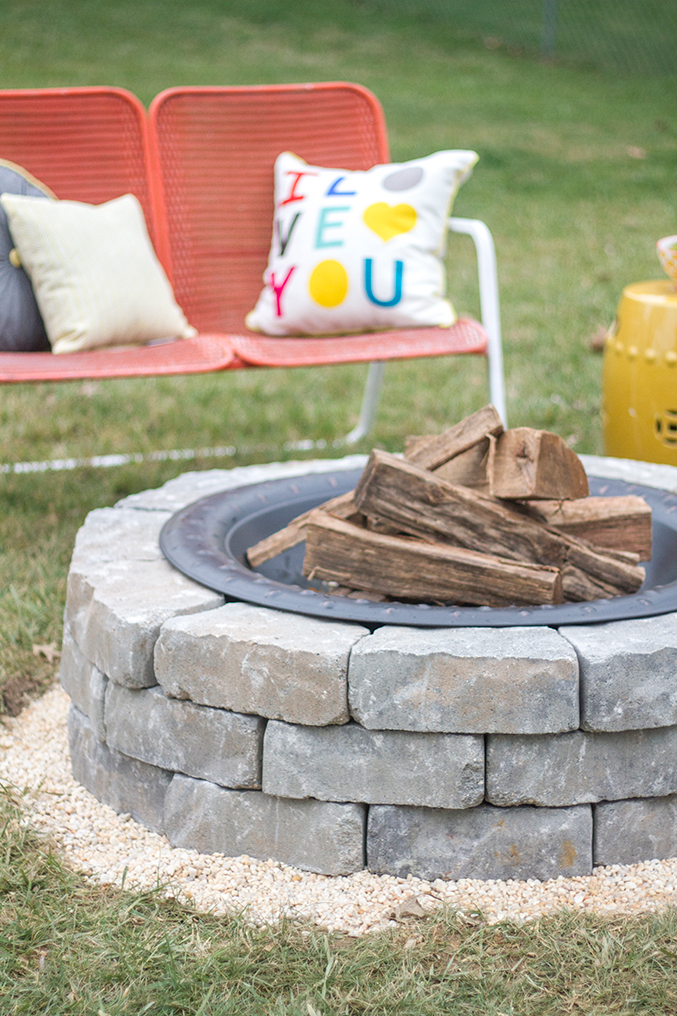 Amazing How To Make A DIY Built In Flagstone Fire Pit