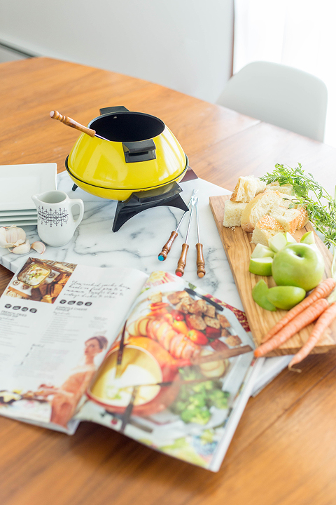Homemade Cheese Fondue Recipe | dreamgreendiy.com + @bhg #tbt