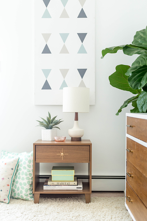 DIY Painted Mid-Century Drawer Pull Starburst | dreamgreendiy.com + @eHow