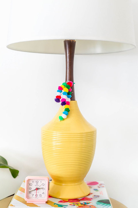 DIY Pom Pom Table Lamp Tassels | dreamgreendiy.com + @orientaltrading