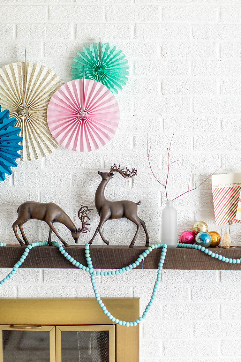 DIY Dyed Wooden Bead Christmas Garland | dreamgreendiy.com + @orientaltrading