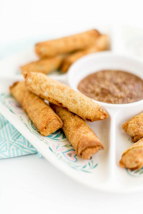A Recipe For Spring Roll Peanut Dipping Sauce | dreamgreendiy.com