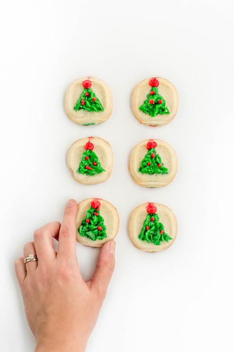 My DIY Decorated Sugar Cookie Shortcut   dreamgreendiy.com