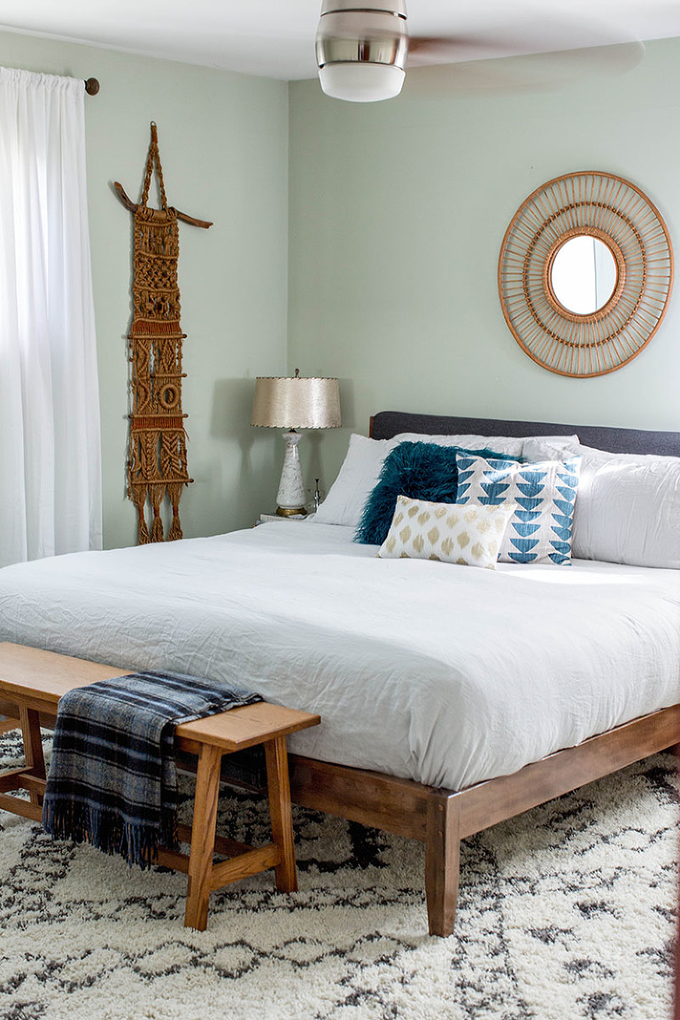 10 Things To (Proudly!) Hide Under The Bed This Season | dreamgreendiy.com + @bhg
