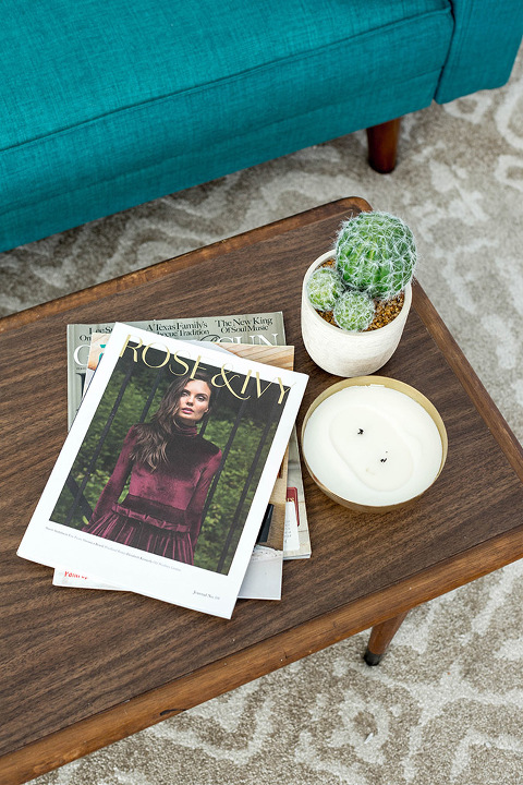 How To Makeover Your Living Room With New Art | dreamgreendiy.com + @Minted