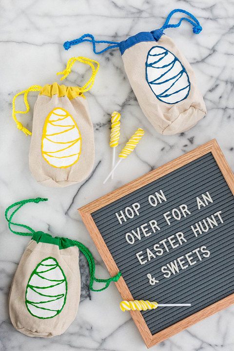 DIY Painted Easter Egg Hunt Canvas Bags | dreamgreendiy.com + @orientaltrading