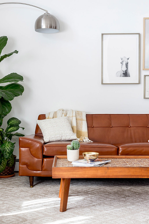 Before & After: Mid-Century Tufted Leather Couch | dreamgreendiy.com + @mooreandgiles