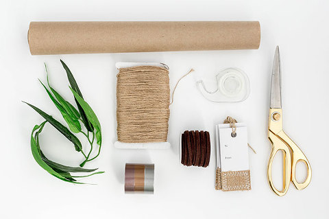3 DIY Minimalist Wrapping Methods To Try | dreamgreendiy.com + @orientaltrading
