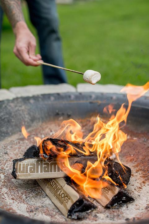 5 Activities To Do Around A Summer Campfire | dreamgreendiy.com + @Duraflame #ad #duraflame