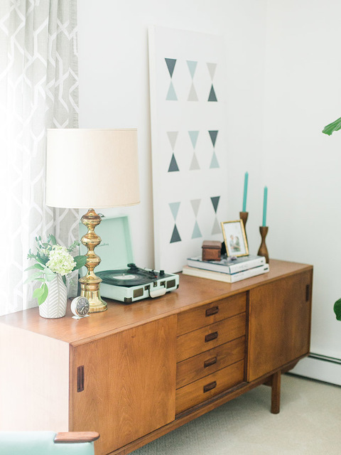 Mid-Century Home Tour | dreamgreendiy.com