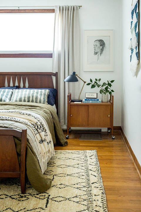 How To Style A Bed With Linen Bedding | dreamgreendiy.com + @cultivergoods