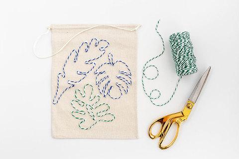DIY Leafy Baker's Twine Banner | dreamgreendiy.com + @orientaltrading
