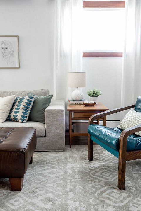 How To Style A Sectional Sofa | dreamgreendiy.com + @InteriorDefine