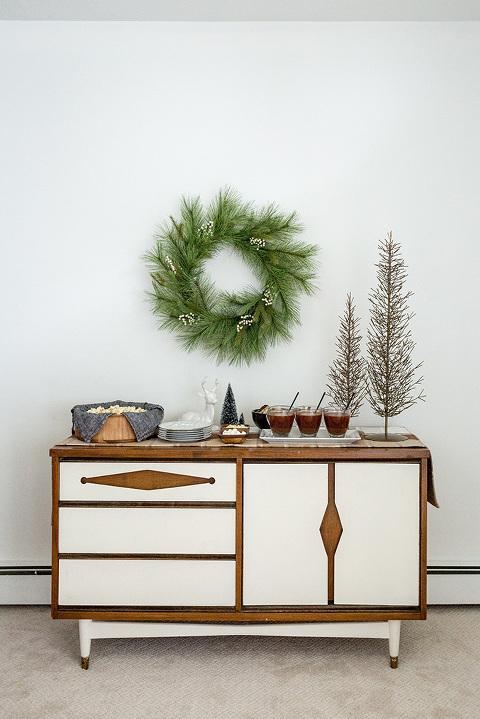 How To Style A Christmas Hot Chocolate Bar | dreamgreendiy.com + @tuesdaymorning #ad