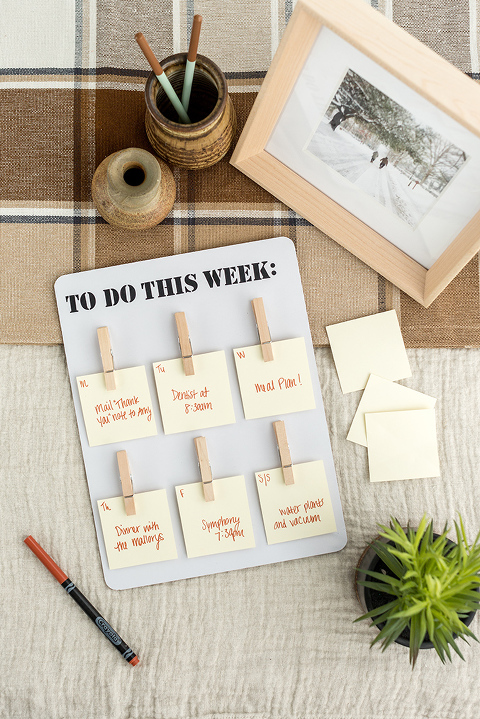 DIY Days-of-the-Week Clothespin Board | dreamgreendiy.com + @orientaltrading