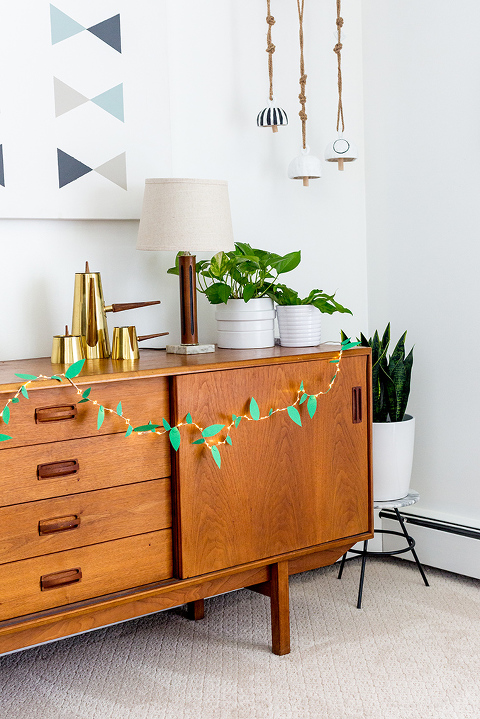 DIY Paper Leaf String Light Garland | dreamgreendiy.com + @orientaltrading #ad