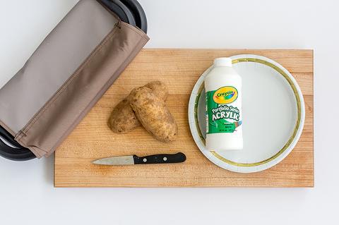 DIY Potato Stamped Campfire Stools | dreamgreendiy.com + @duraflame #ad