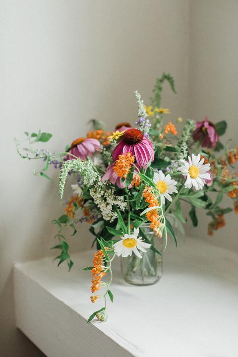 How To Make A Foraged Flower Arrangement Dream Green Diy