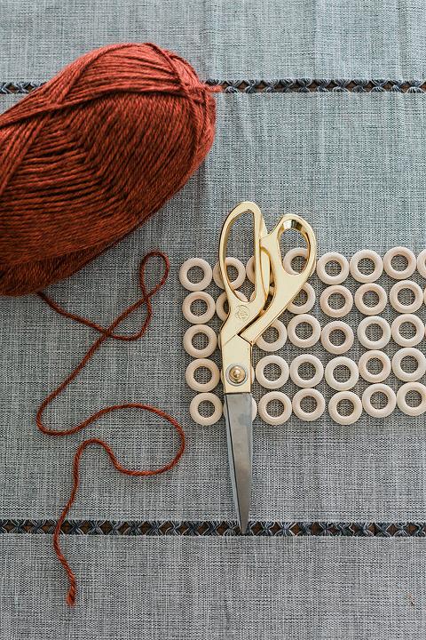 DIY Thanksgiving Wood Ring Trivet Mat