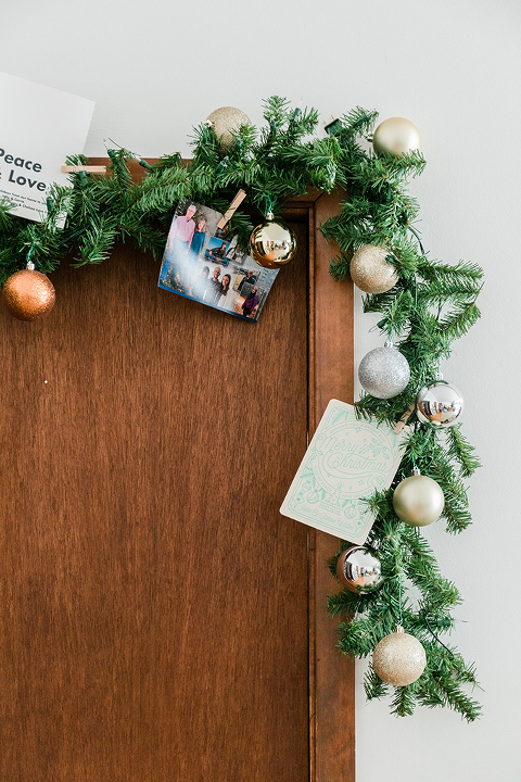 How To Simplify Christmas Decorating