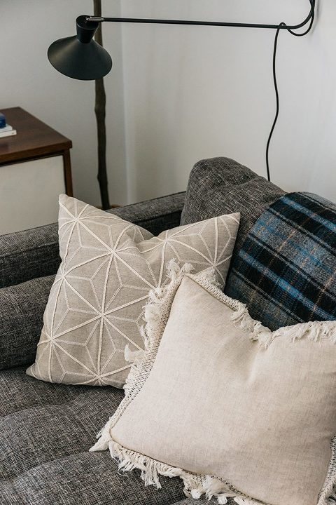 A Sneak Peek Of Our Revamped Living Room | dreamgreendiy.com + @article #ad #svensofa #ourarticle