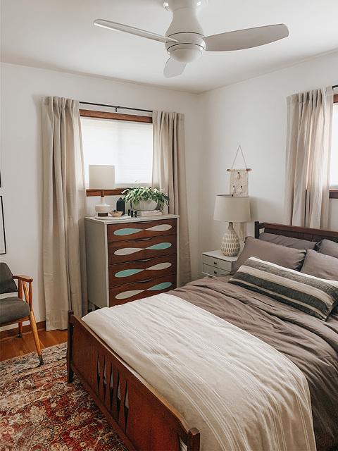 Mid-century guest room design