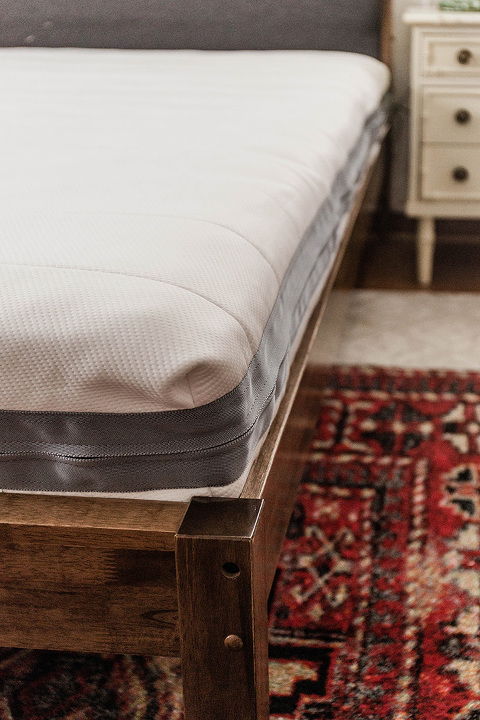 Upgrading To An Eco-Friendly Mattress | dreamgreendiy.com + @airweaveusa #ad