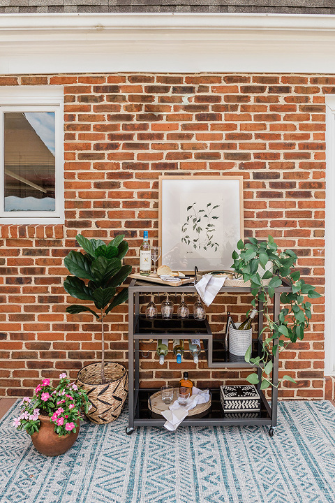 DIY Bar Cart Styling And Dining Alfresco Tips | dreamgreendiy.com + @AllModern #ad