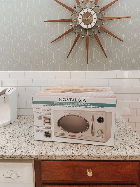 Swapping To A Countertop Microwave | dreamgreendiy.com + nostalgiaproducts.com #ad #nostalgiaproducts #jointheparty